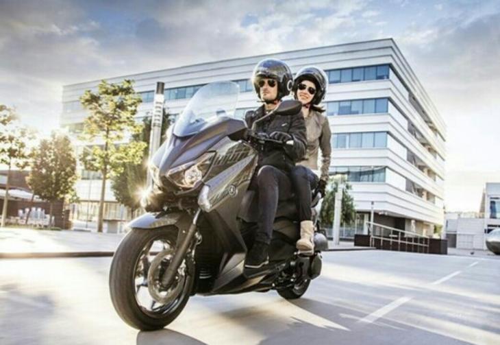 Yamaha X-Max 250 Kemewahan Berkendara
